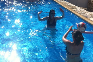 Villa Henri rental clients having fun in the pool in September 2012!