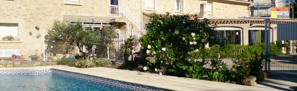 Hotel in pezenas with pool languedoc south of france for Piscine pezenas